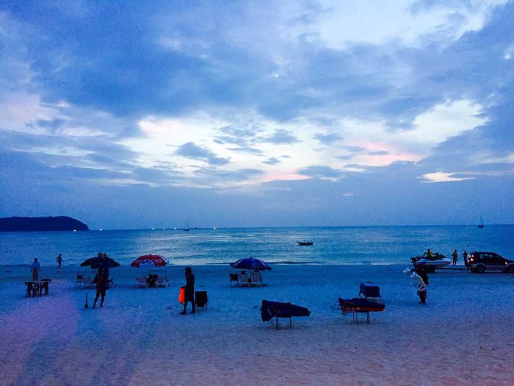 Shades of blue, pink and purple - a special sunset over Pantai Cenang