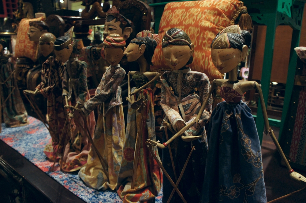 Some delicate Wayang Golek puppets from a recent trip to Jakarta just to give you a sense♥