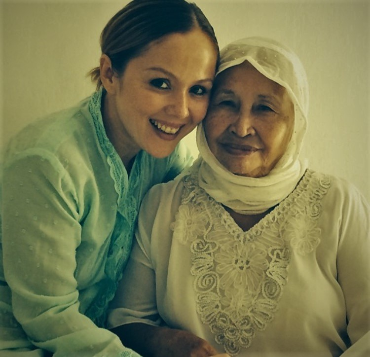 Franki and her grandmother who looked after her when she lived in Indonesia - Picture courtesy of Francisca Turner Shaik