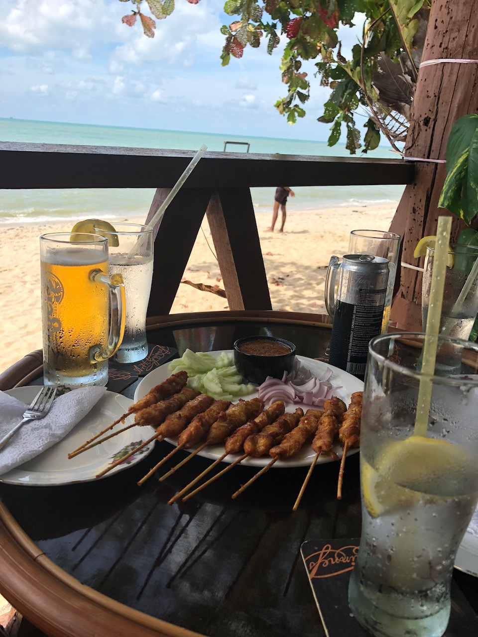 The juicest chicken satay beachside at Batu Ferrenghi!