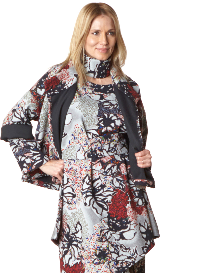 Greta Jacket, Nada Tunic in Multi Ready for San Sebastian, Legging in Grey