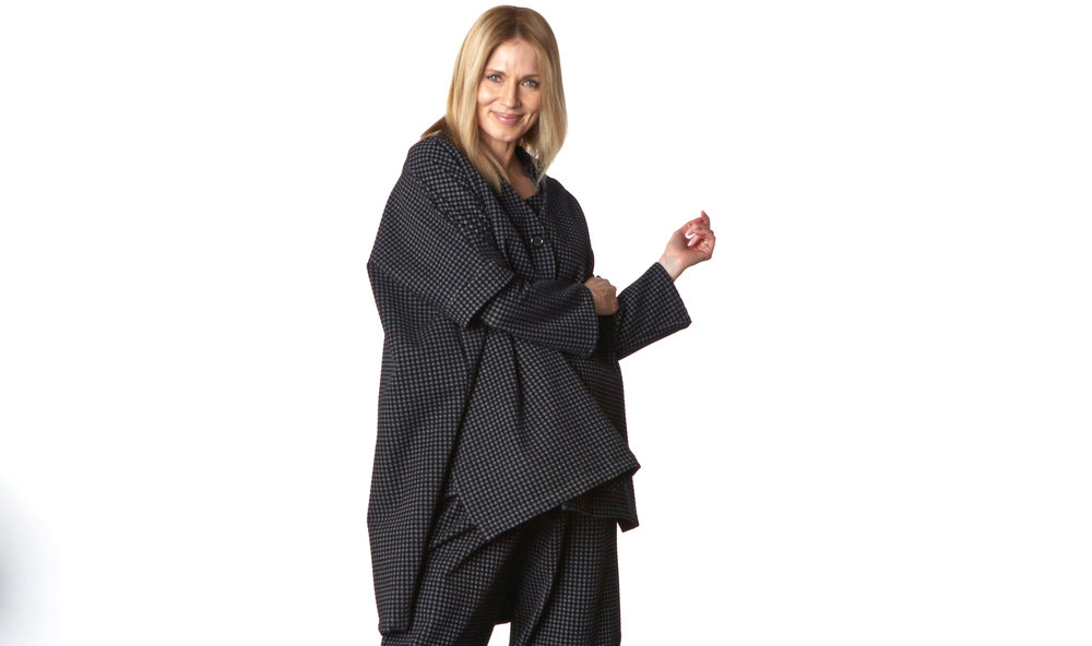 Danuta Jacket, Oliver Pant in Black/Grey Houndstooth Floccato
