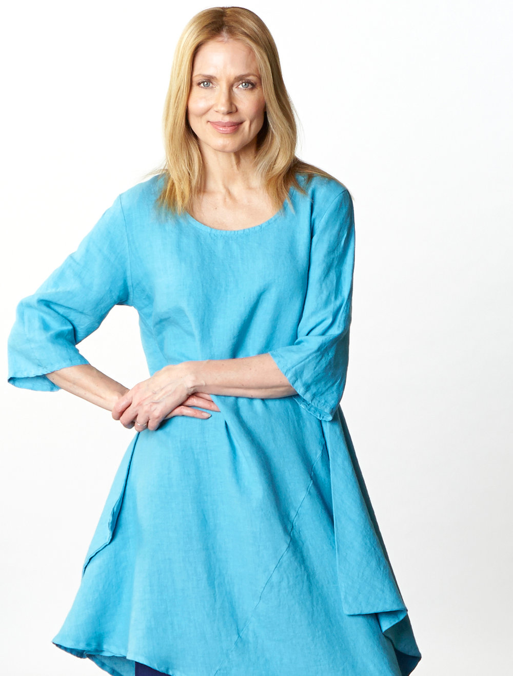 Naida Tunic in Umbrella Light Linen