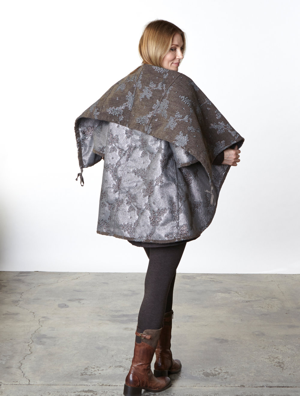 Bowie Jacket in Taupe/Silver Ready for Bruges, Liam Tunic, Legging in Chocolate Italian Melange