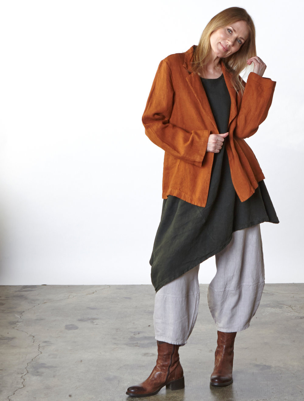 Marcel Jacket in Jemez, Nada Tunic in Huntress, Oliver Pant in Daikon Heavy Linen
