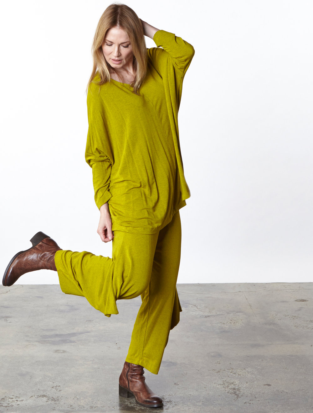 Alan Tunic, Hamish Pant in Goldfinch Grey French Terry