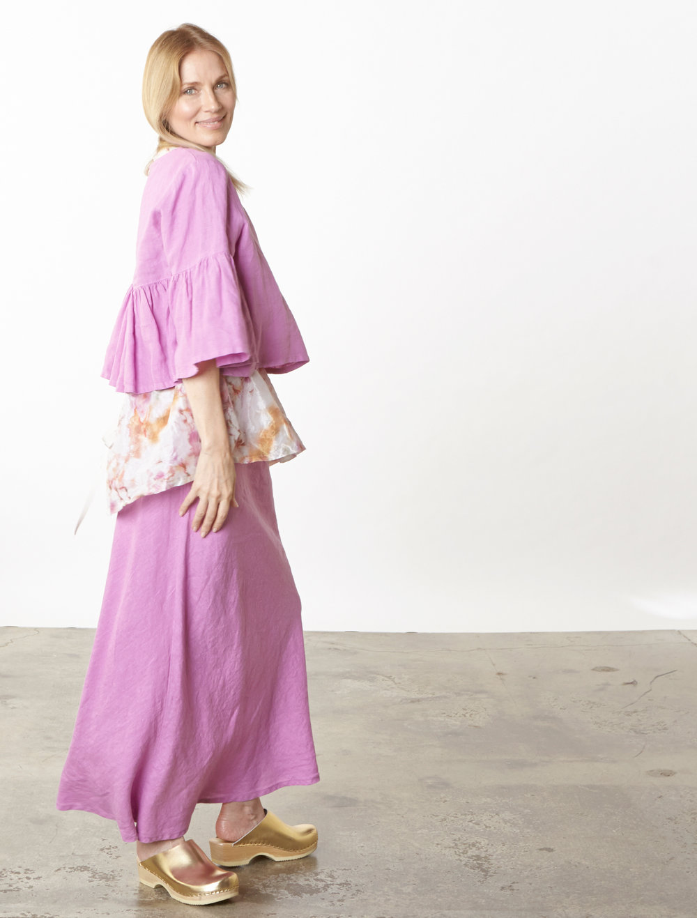 Frida Shirt, Long Bias Skirt in lxia Light Linen, Lois Tank in Versailles Italian Memory Crunch Taffeta