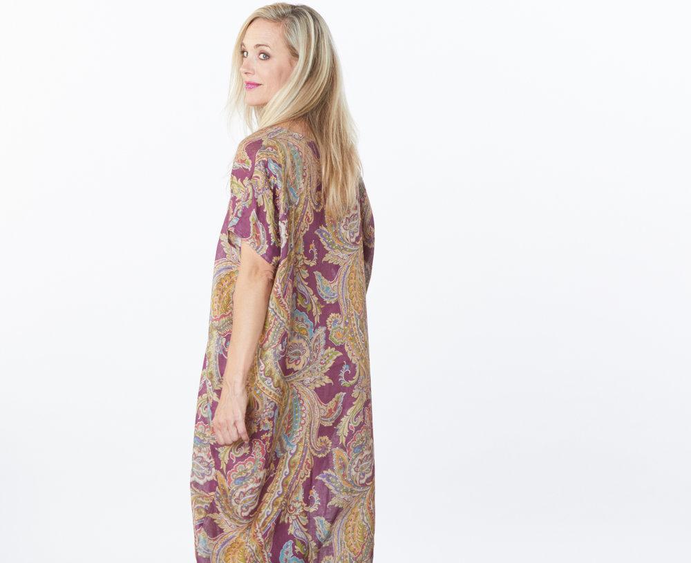 Long Poncho in Viola Paisley Print Linen