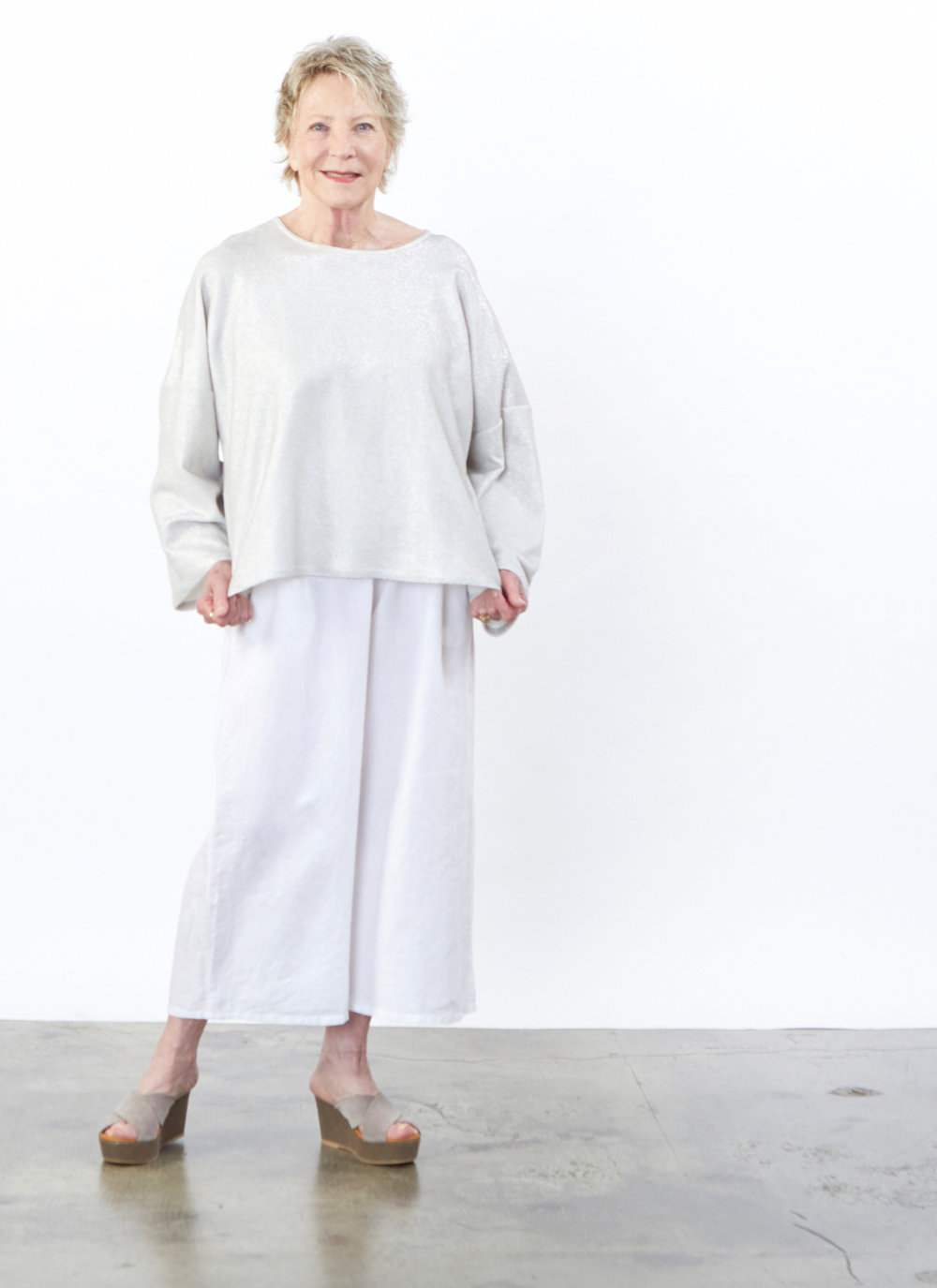 Play Shirt in Silver Ready for Newport Beach, Flood Pant in White Light Linen
