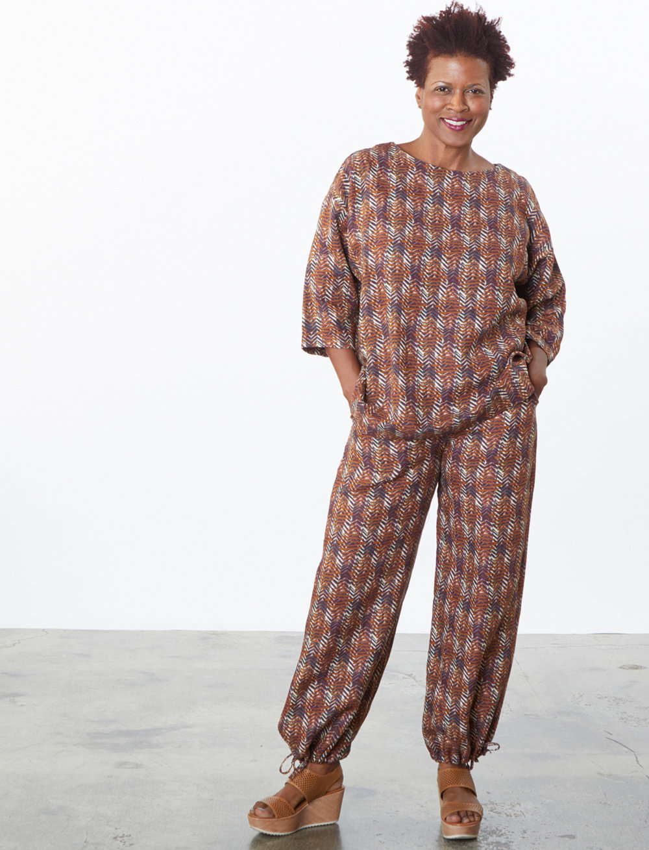 Resort Shirt, Sasha Pant in Marrone Italian Print Linen