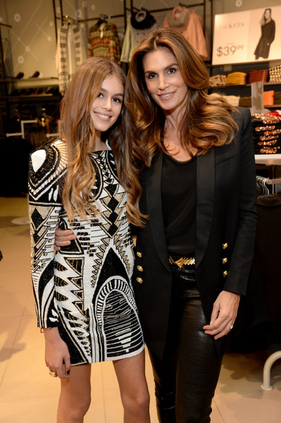 Image Pinterest: Crawford with her 14 year old daughter Kaia Jordan Gerber.