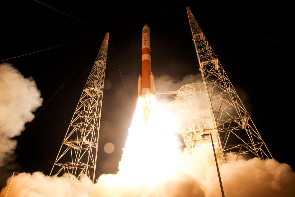delta-4-rocket-launch-wgs-5-satellite-wide-2.jpg