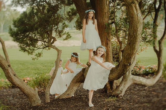 #unforgettableexpressions #postthepeople #flowergirldress #flowergirls  #treeclimbing #shesaidyes #bohowedding #lookslikefilm #filmpalette #portraitcollective #weddingphotography #greenweddingshoes #junebugweddings #intimatewedding #photobugcommunity #loveauthentic #weddinginspiration #gettingmarried #minted #mintedweddings #theknot #materialculture #stylemepretty #loveintentionally #bohostyle #rusticwedding #summerwedding  #girlswillbegirls #dealcountryclub