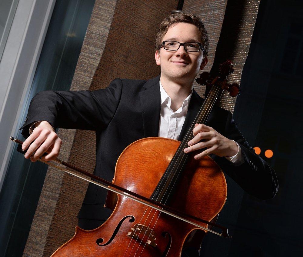 Konstantin Bruns, cello