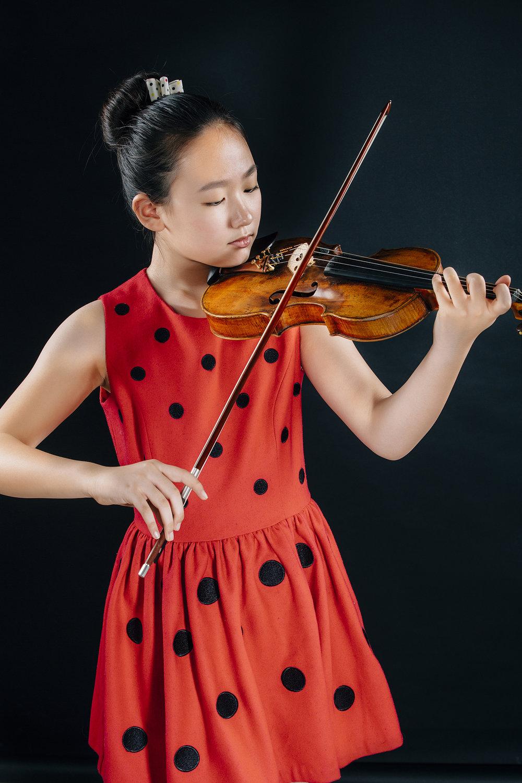 Yixuan Ren, violin
