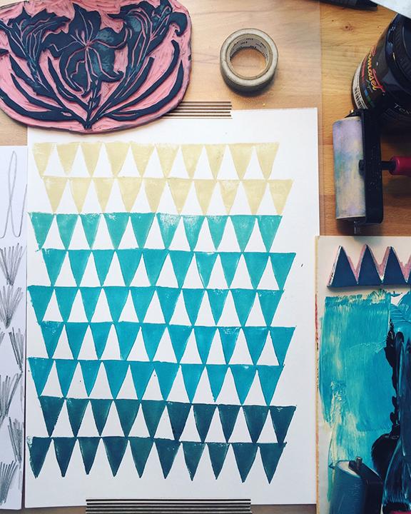 Pattern_trianglewaves.jpg