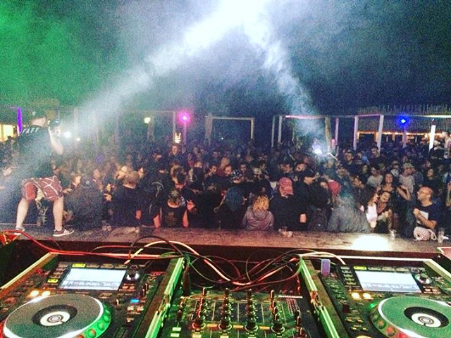 GRAZIE @bayfestsummer day 3 closing party for the win.. 💘💥🎧 #bayfest #bayfest2018 #djset #djs #dj #djlappa #djzigna #pop #indie #rock  #alternative #punk #punkrock #hardcore #anthems #electro #eclectic #qualcosina #qualcosinaparty #bellariaigeamarina #rimini #emiliaromagna #italy #bekybay #spiaggialibera #thestudentbeach #rockbeachfestival #afterfest #freeentry