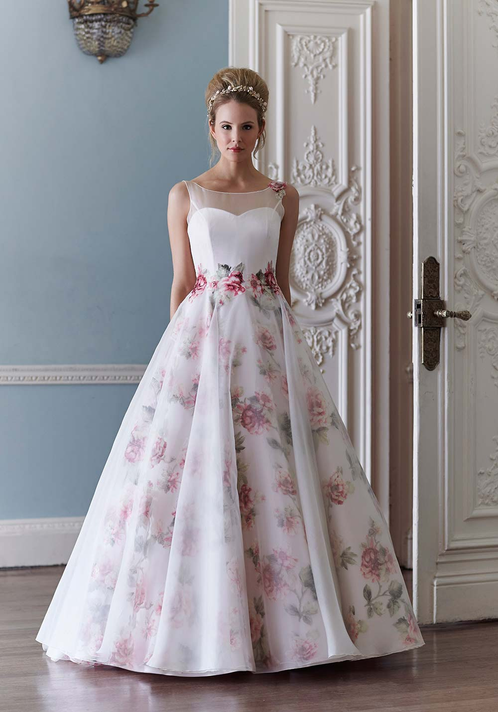 floral-wedding-dresses-sassi-holford-3.jpg