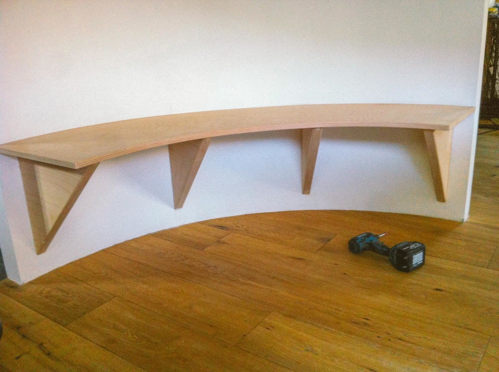 Round bench made out of birch ply