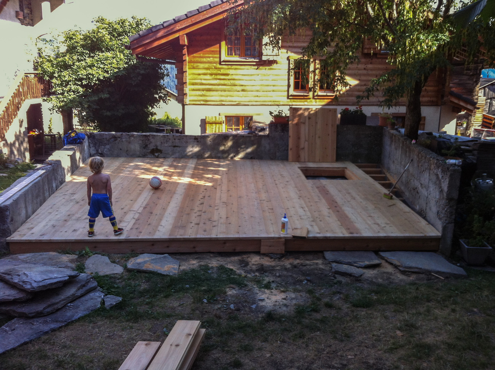 Decking with sand box