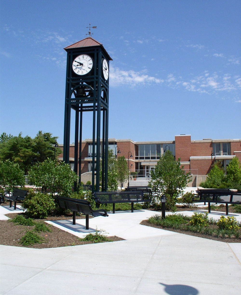 Veterans Plaza, Suffolk County Community College