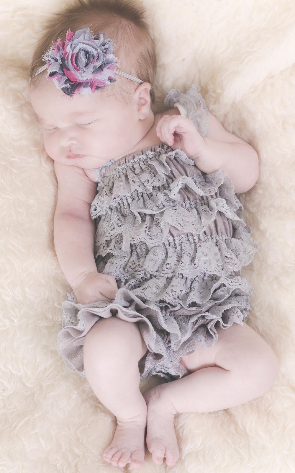 Amelia_Newborn_08.jpg