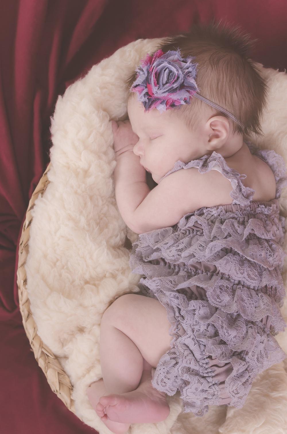 Amelia_Newborn_16.jpg