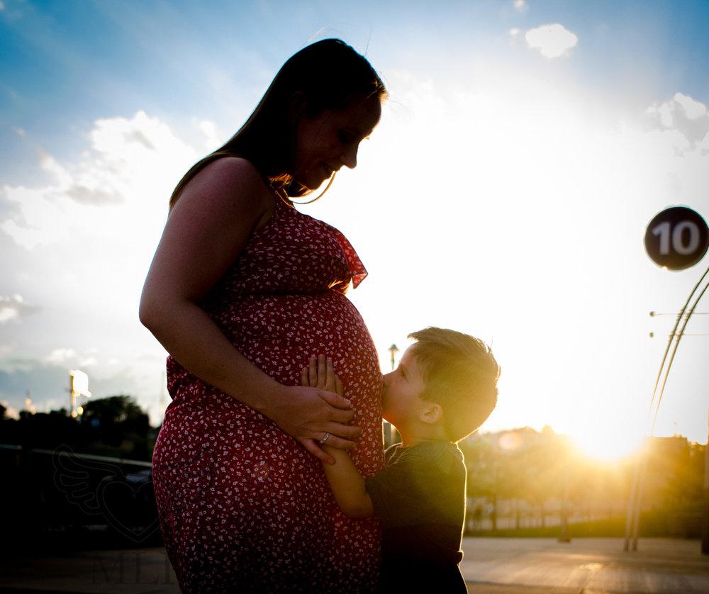 Maternity_Portrait_Broncos_Fans_04.JPG