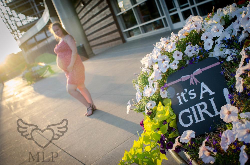 Maternity_Portrait_Broncos_Fans_05.JPG