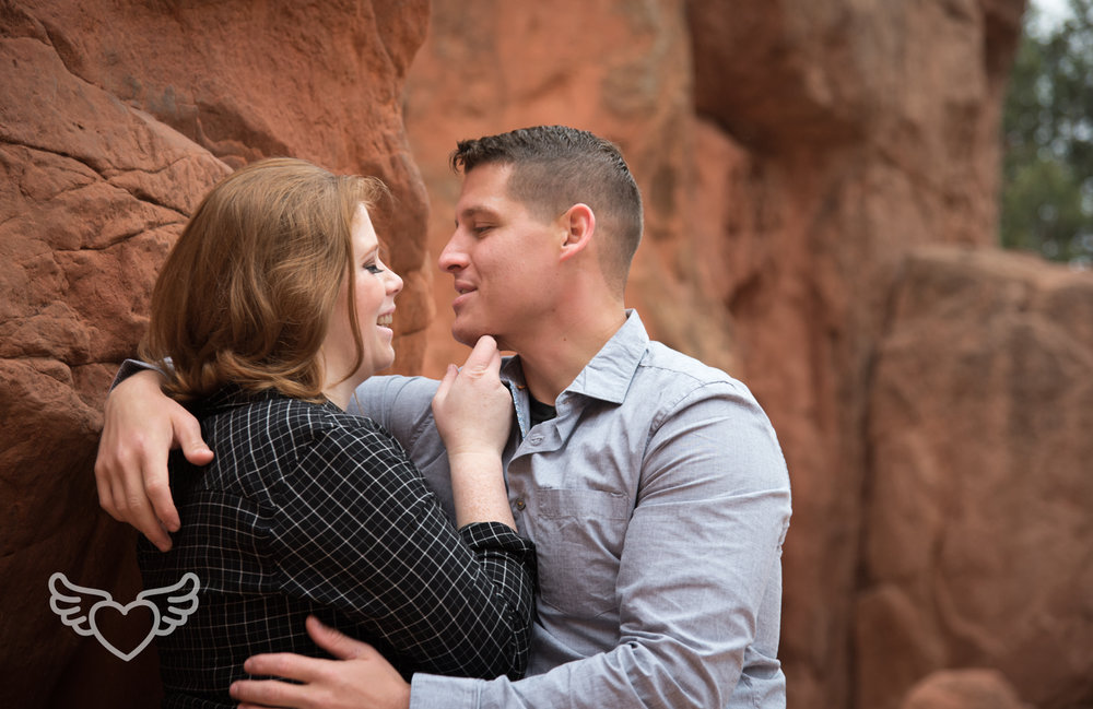 Couples_Photography_Gardenofthegods-25.jpg