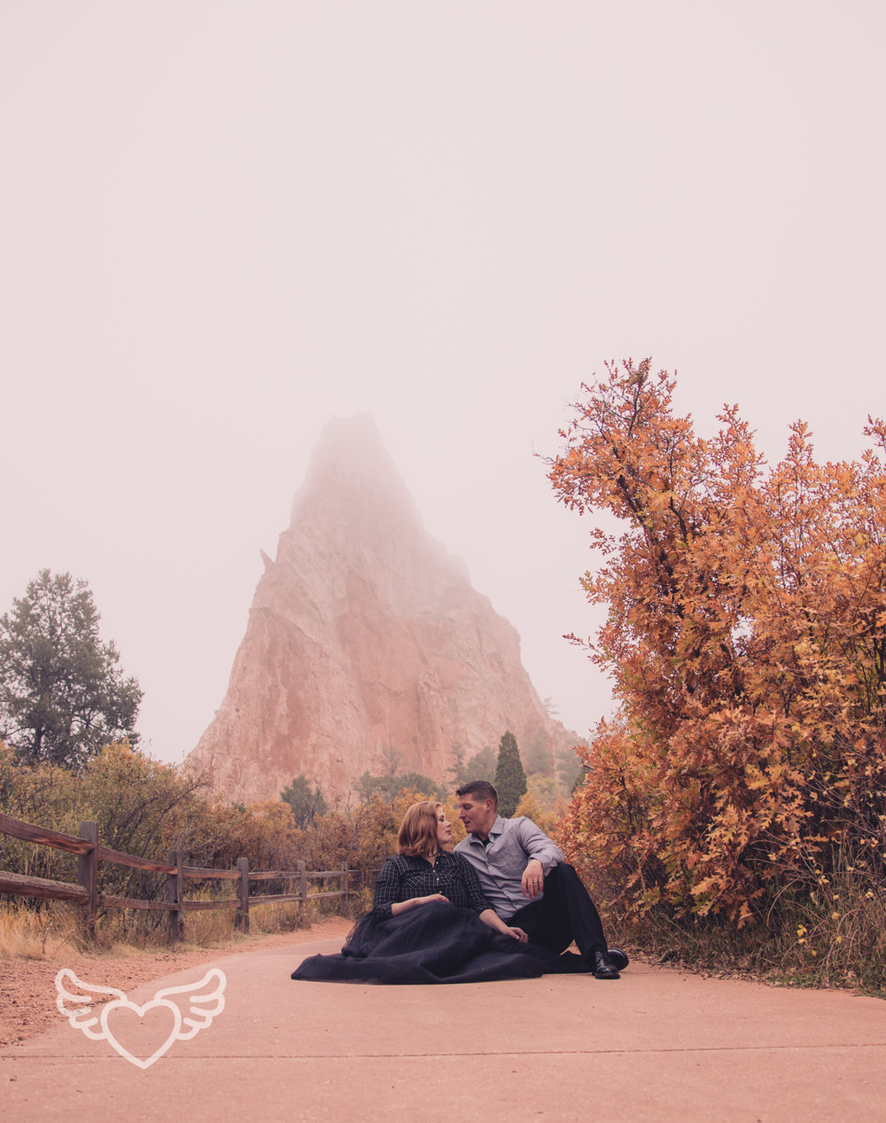 Couples_Photography_Gardenofthegods-41.jpg