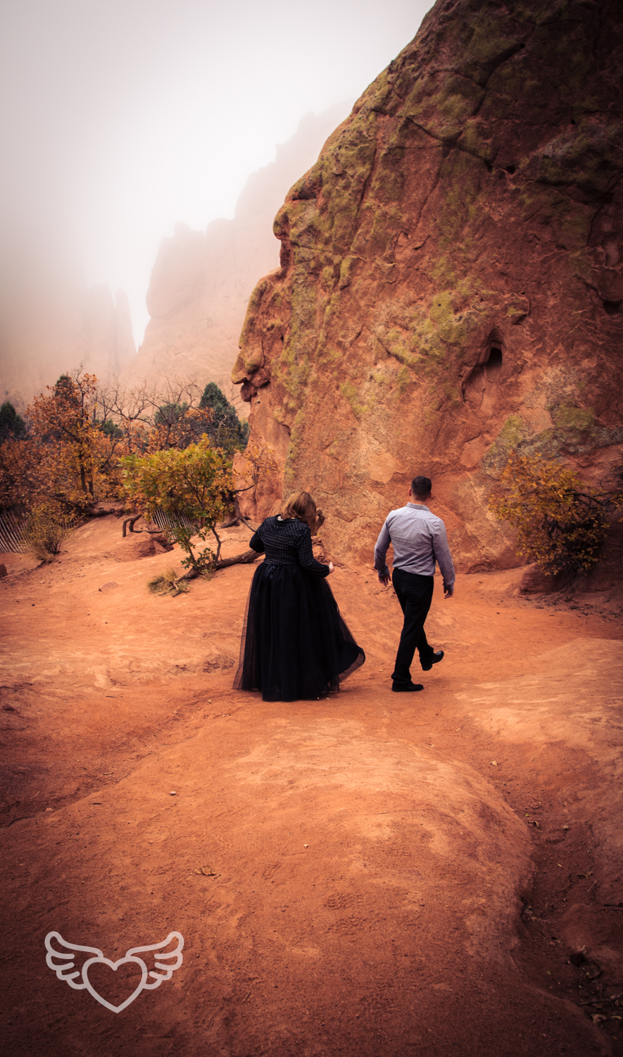 Couples_Photography_Gardenofthegods-61.jpg