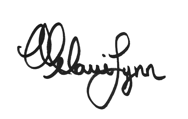 Signature_Melanie Lynn Photography.jpg