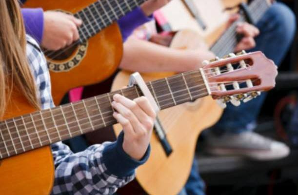 Group Guitar Lessons - Fairfield, Iowa