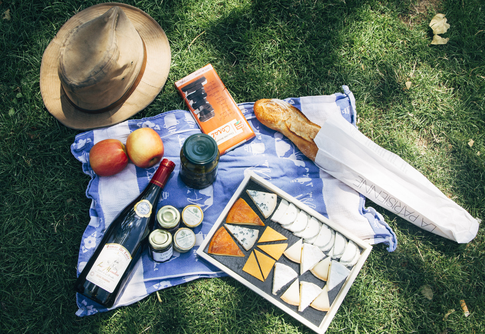 Elements to a Parisian Picnic
