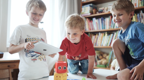 Children_tablet_robot