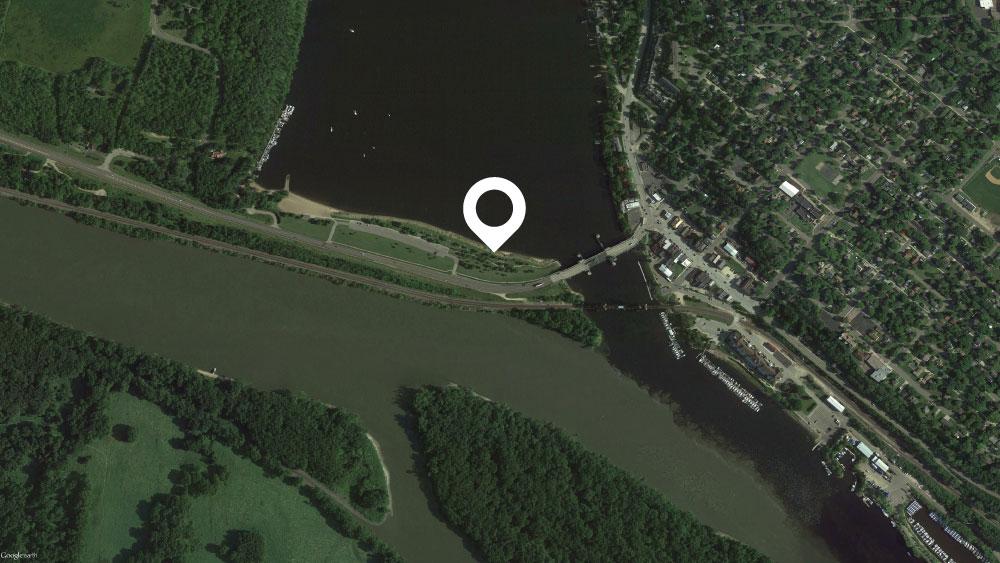 "Point Douglas Park 44°44'56.26""N ·92°48'26.84""W"
