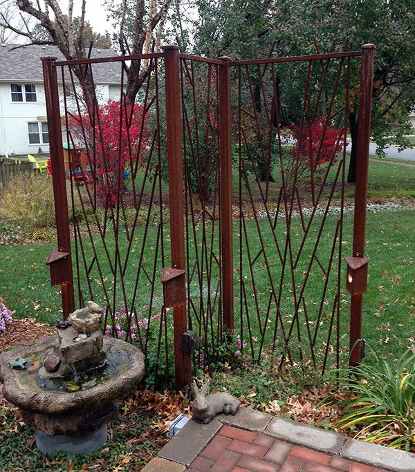 Blog fossil forge design for Free standing garden trellis designs