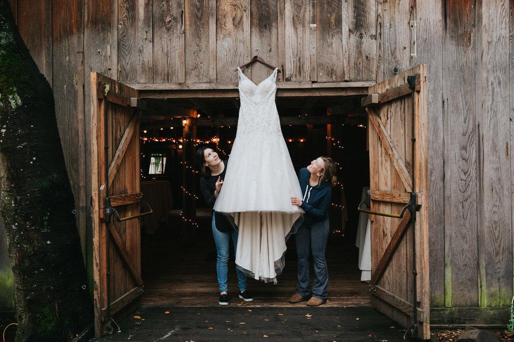Portland_wedding_photographer_McMenamins_Alfred_Tang-1.jpg