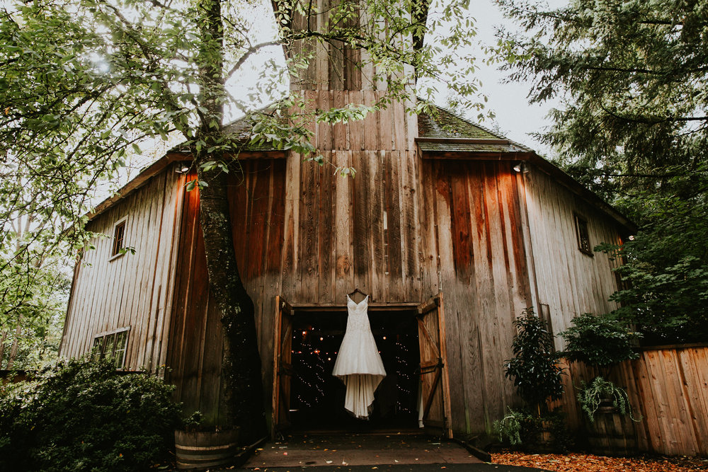 Portland_wedding_photographer_McMenamins_Alfred_Tang-014.jpg