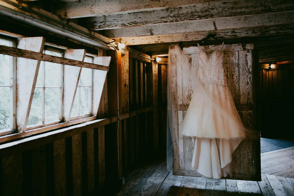 Portland_wedding_photographer_McMenamins_Alfred_Tang-025.jpg