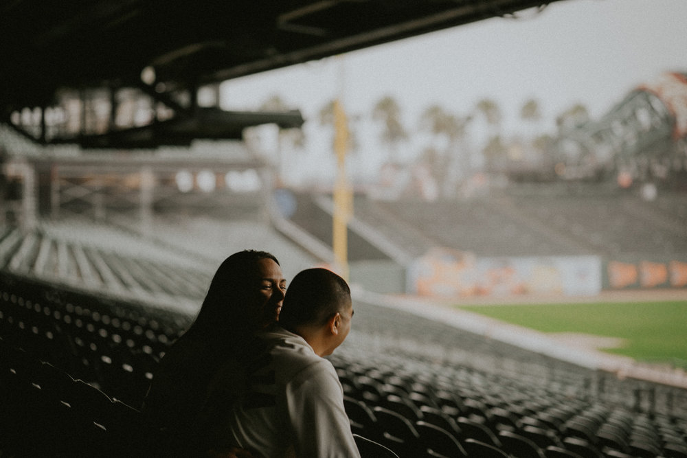 San-Francisco-engagement-wedding-photographer-Giants-AT&T-Park-6.jpg