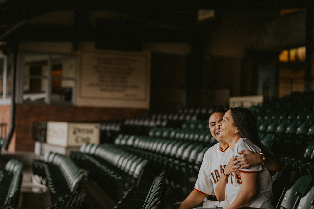 San-Francisco-engagement-wedding-photographer-Giants-AT&T-Park-8.jpg