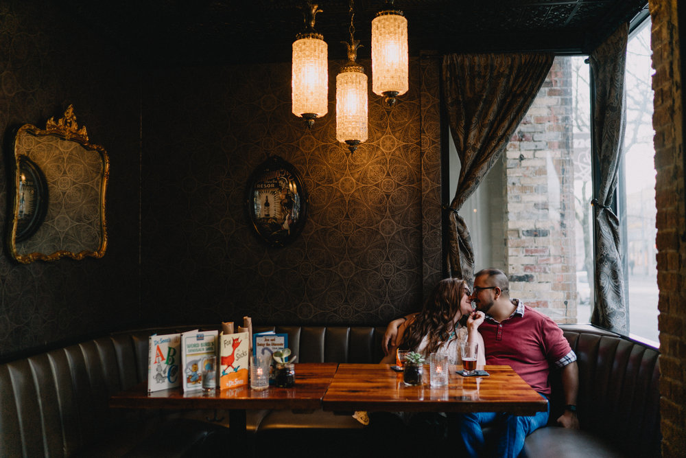 Kiss_engagement_seattle_bar_alfred_tang_Photography