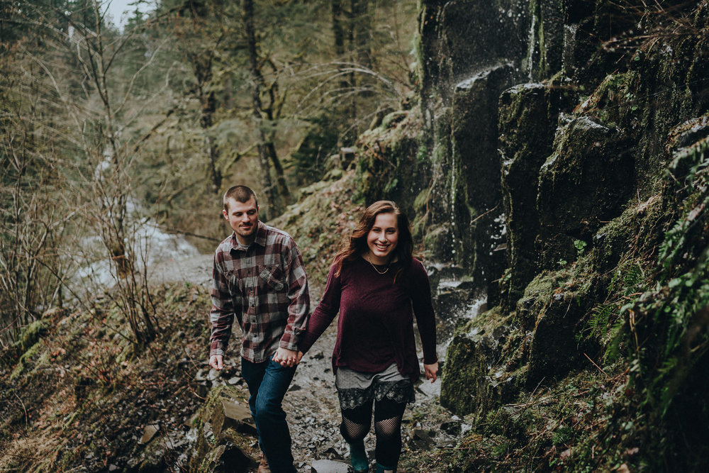 Columbia Gorge Engagement Photographer