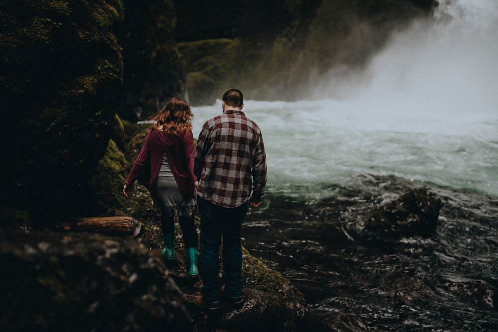 Columbia Gorge Elopement Photographer