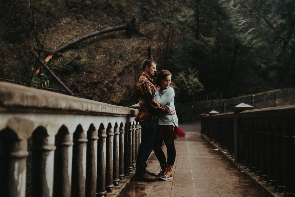 Multnomah Falls Engagement Photographer