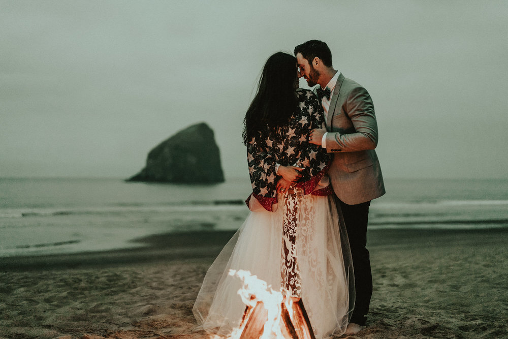 American-Flag-Haystack-Rock-Elopement-Photographer-Oregon