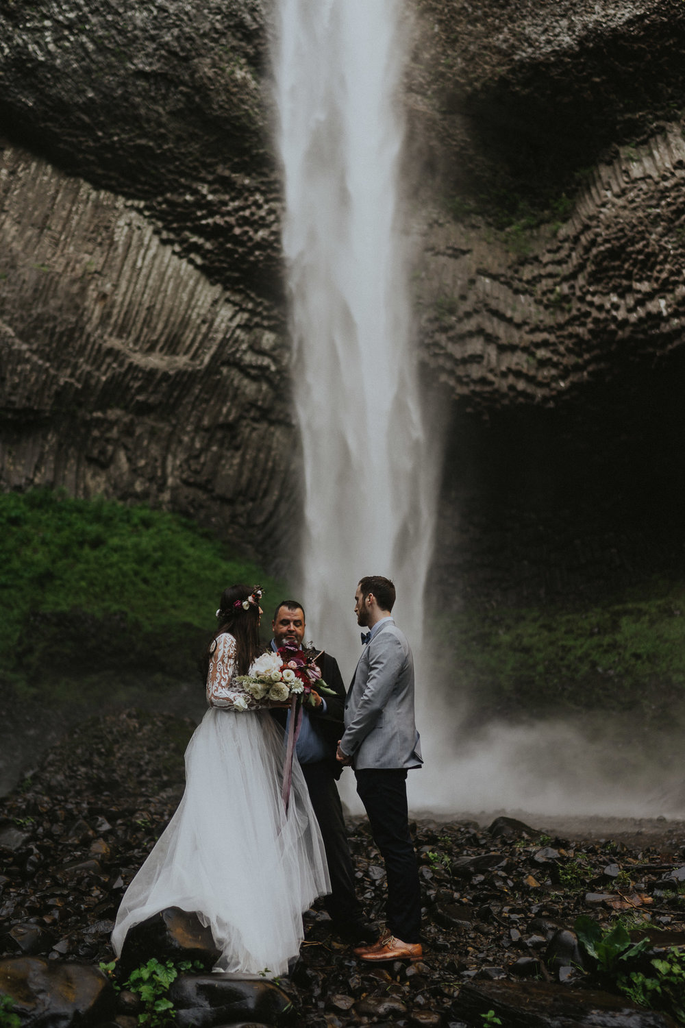 Chasing-Waterfalls-Elopement-wedding-Photographer