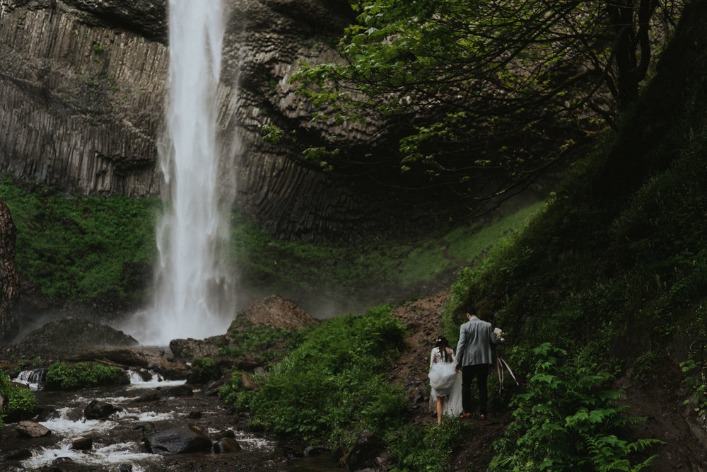 Latourell-Falls-Elopement-photographer-Portland-Oregon
